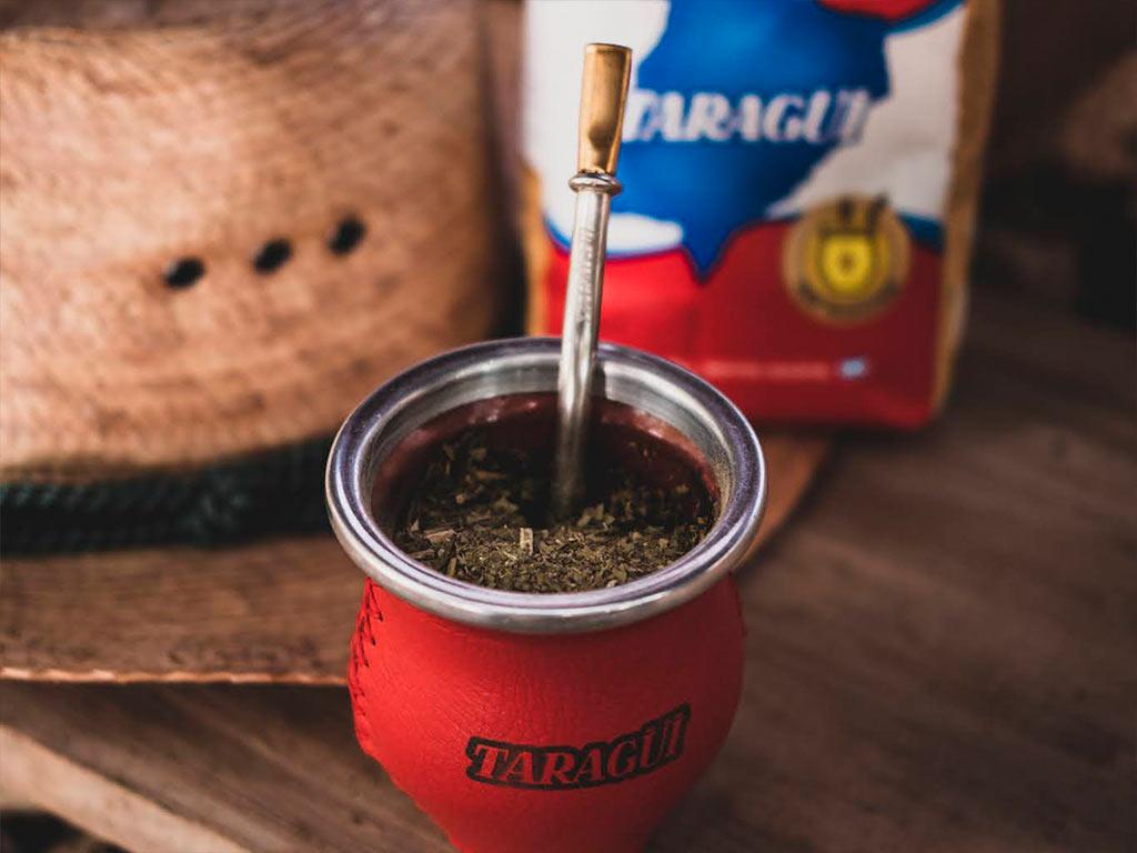 Aportes nutricionales de beber yerba mate Taragui con bombilla