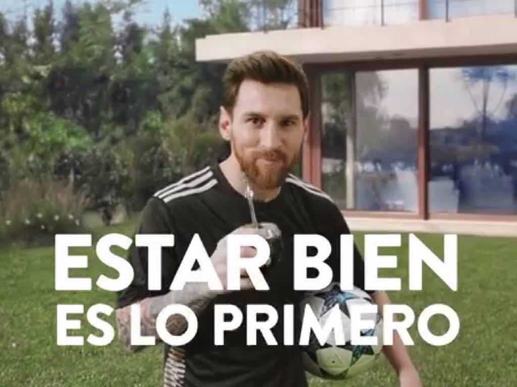 Como bebe yerba mate taragui Leo Messi jugador del barcelona