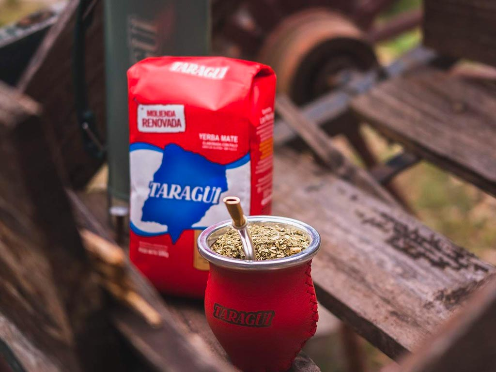 Como cebar una buena yerba mate tradicional taragui